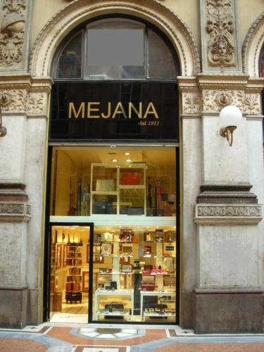 Centro commerciale di lusso  La Galleria di Milano