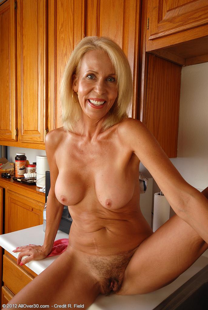 Mature women naked