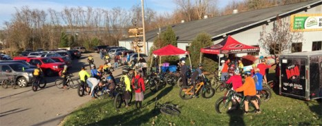 Fat bike friendly mountain bike shop ride at Hometown Bicycles' Fall Extravaganza
