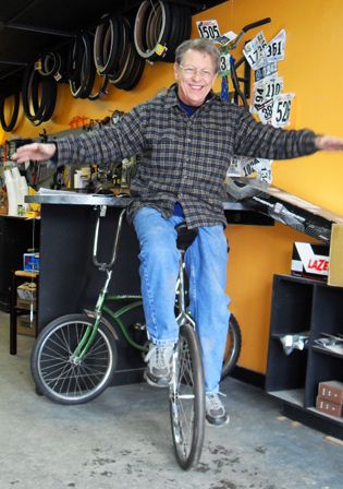 Bet you didn't know Lee could ride a unicycle! We only work with super-talents.