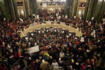 Union Supporters occup Wisconsin state capital