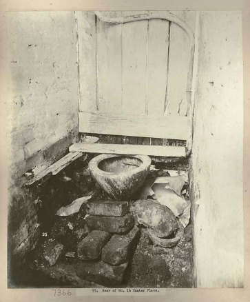 Rear of No.16, Exeter Place, Sydney showing toilet facilities, c.Jul 1900. Digital ID 12487_a021_a021000029