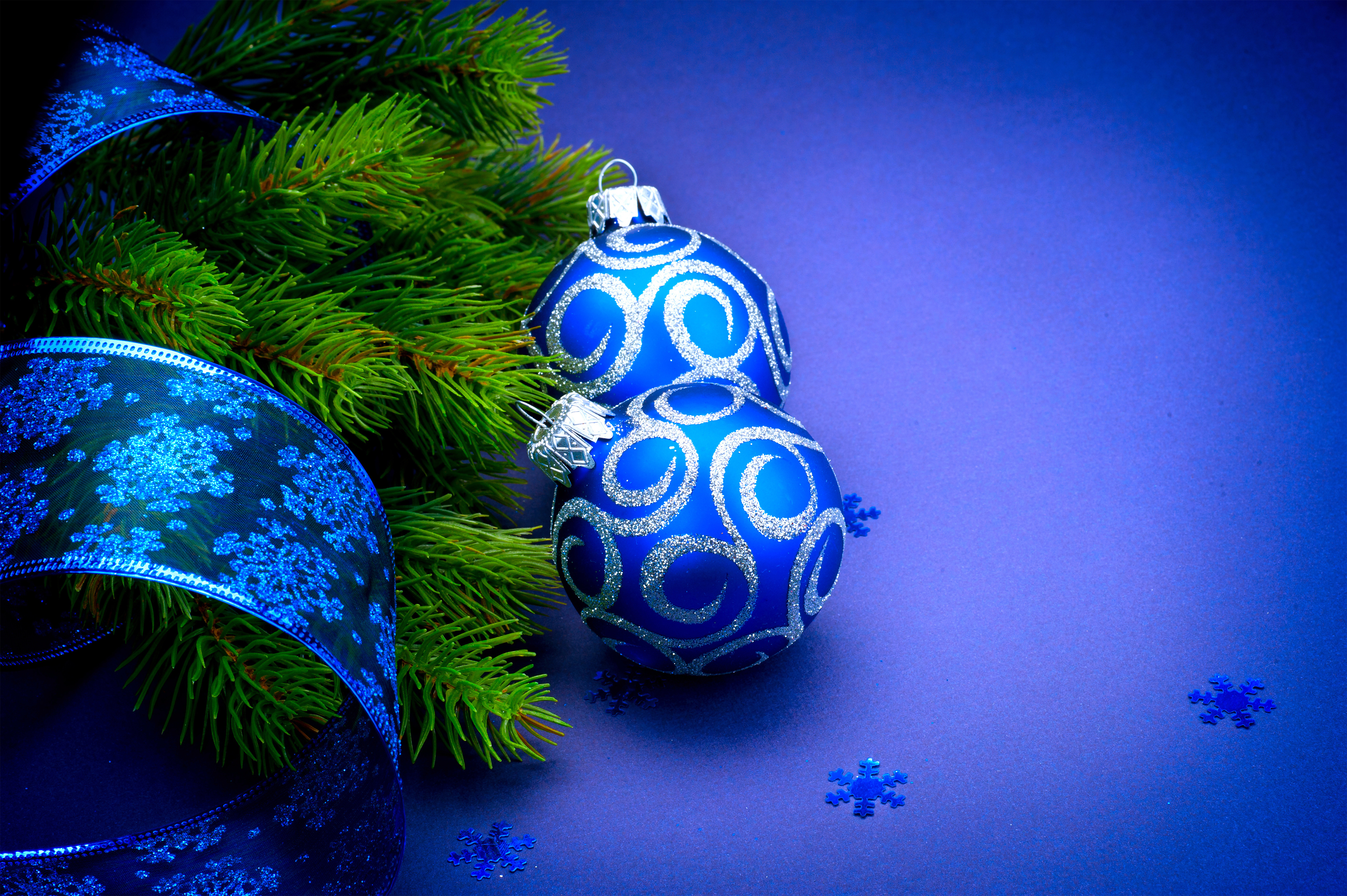 Fall Leaves Clip Art Wallpaper Christmas Background With Blue Christmas Balls Gallery