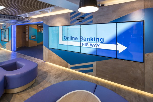 Bank-sign - Digital Signage