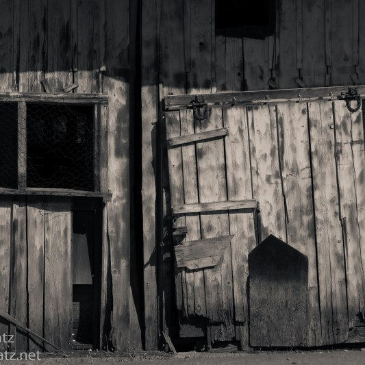 Abandoned Shack BW