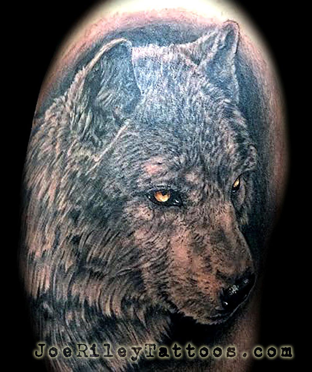 Best Wolf Tattoo Artist