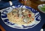 clams linguini close