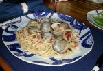 clams linguini close