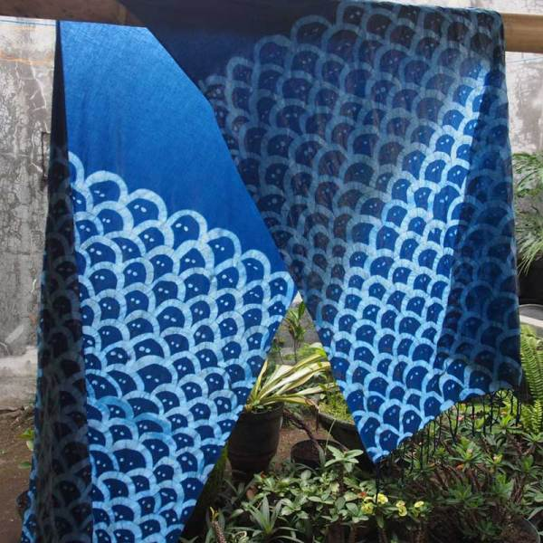 Image of Soy Wax Resist on indigo natural dyed Fabric by Daniel Gundlach - from Susan Purney Mark Soy Wax Inspirations Workshop