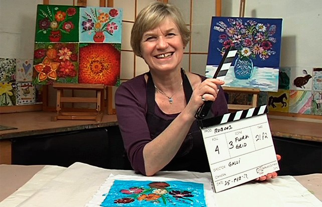 Image of Rosi Robinson during filming of Batik Workshop - Fun with Paper & Fabric, featuring Rosi Robinson