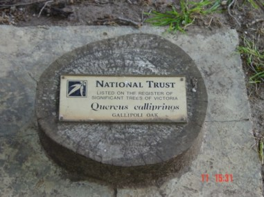 National Trust plaque at Geelong Grammar