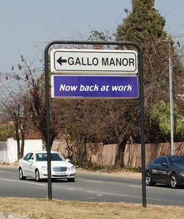 Gallomanor Sign