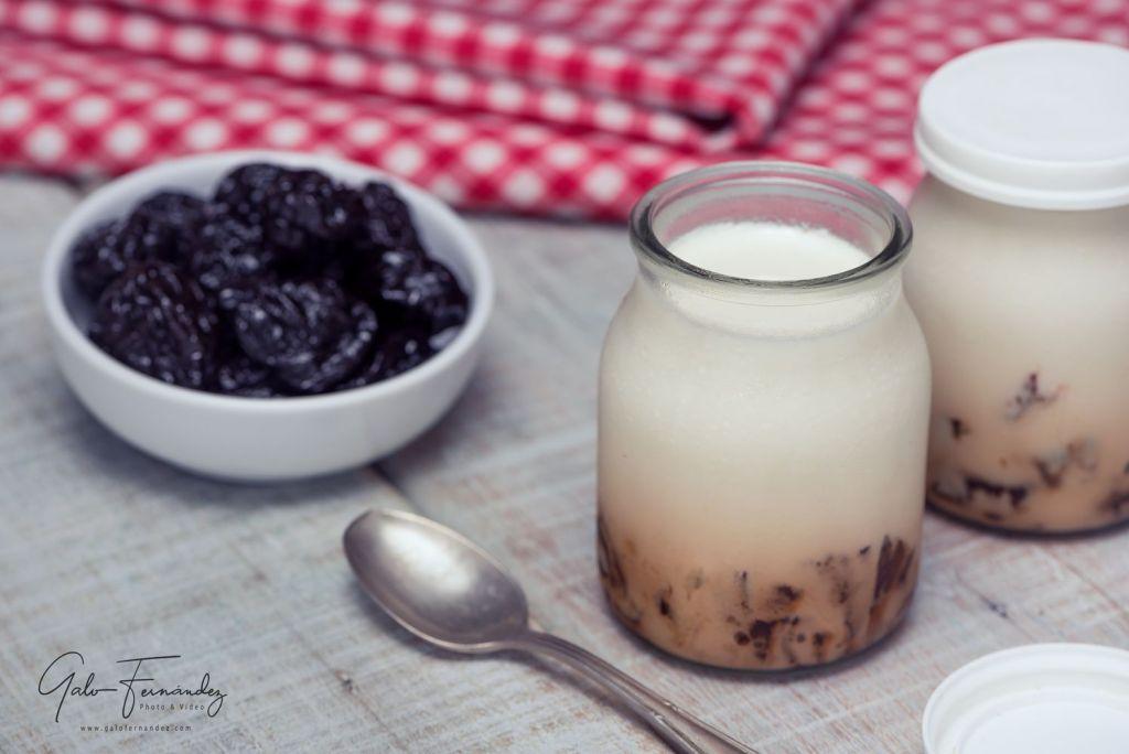 Yogur Casero Natural con Ciruelas Pasa