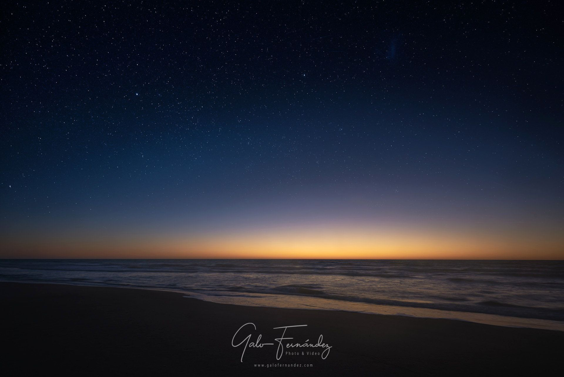 Amanecer estrellado sobre el Océano Atlántico, Cariló - PBA