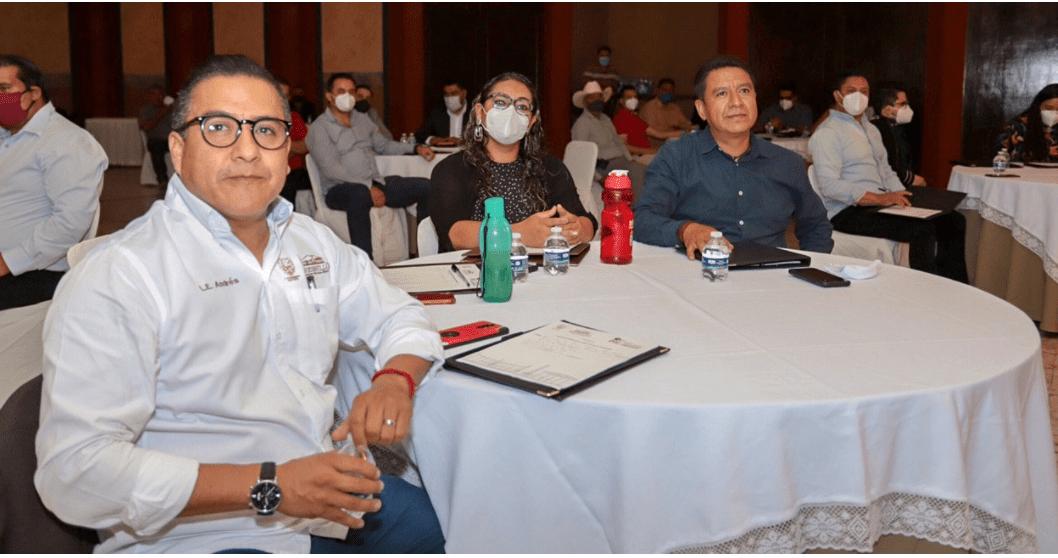 El Seminario impartido por Galo Limón motivó a los asistentes a tener prácticas de gobierno positivas y ser mejores personas para ser mejores funcionarios públicos