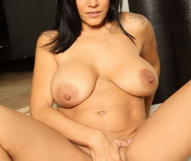 Busty Milf Raylene Finger Fucking Her Pussy And Playing With Her Big Tits Cam Porn Catalina Cruzs Official Pornstar Website