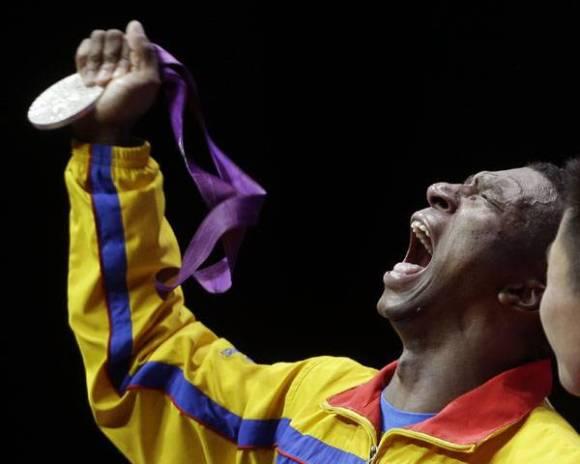 Oscar Albeiro, medalla de plata en pesas