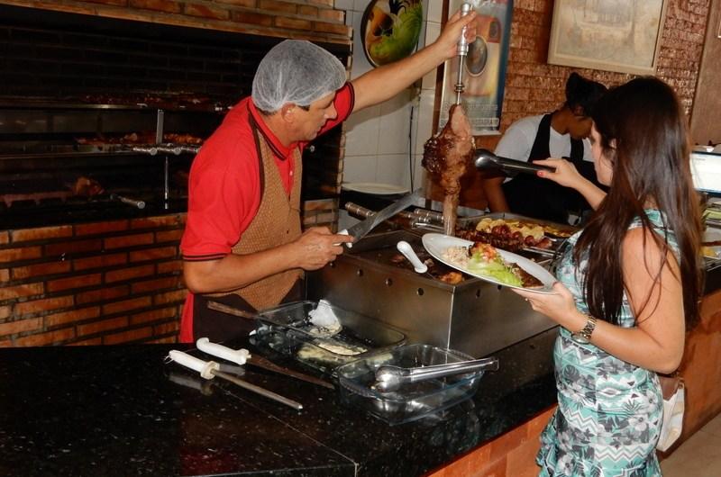 Restaurante Fogão Goiano no Pistão Sul Gama