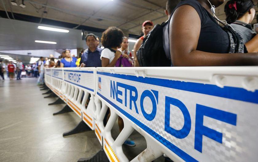 Metroviários entram em greve por tempo indeterminado nesta quinta (9)