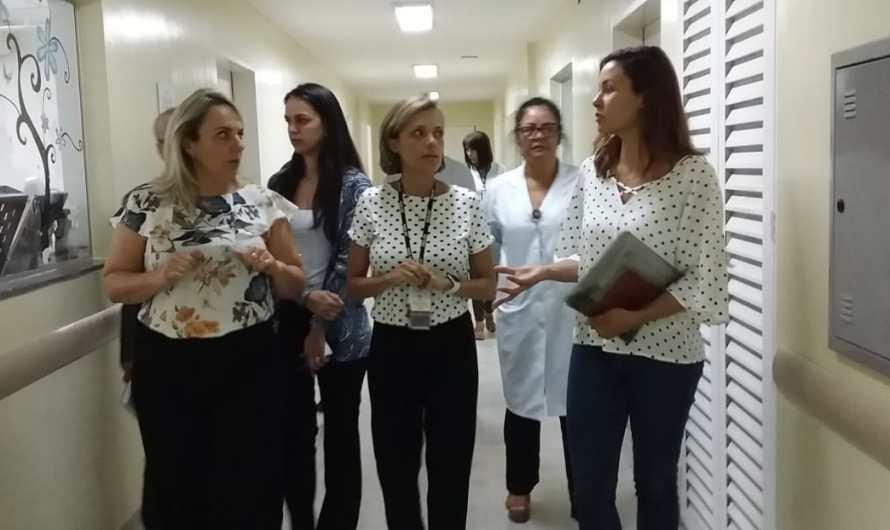 Juliana Navarro visita instalações do HRG para futura reabertura do Pronto Atendimento Infantil
