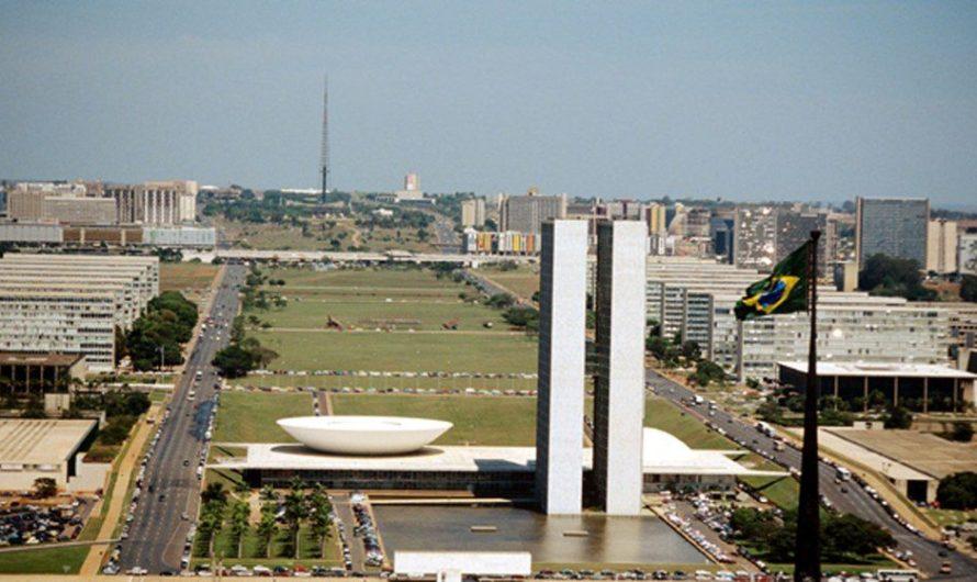O Brasil de rabo preso