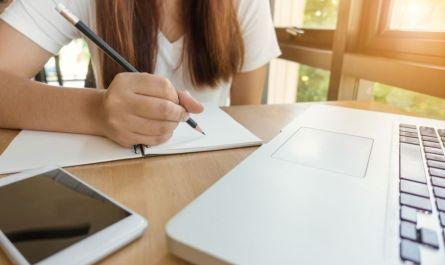 Iniciativa de universitários aborda a escolha da profissão para estudantes do ensino médio