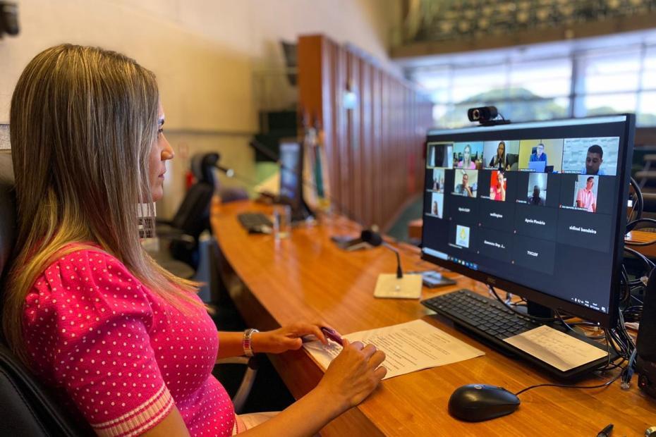 Em audiência com Jaqueline Silva, GDF garante R$31 milhões para Cartão Material Escolar
