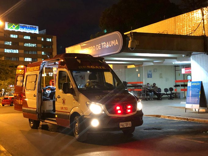 Ministro da Saúde presta apoio aos profissionais do Hospital de Base