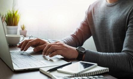 Sites reúnem mais de 400 opções de cursos gratuitos ofertados por diferentes instituições
