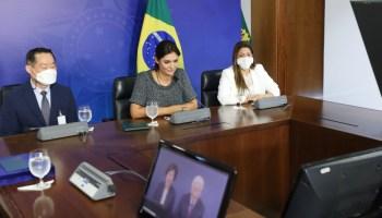 O Pr. Ock Soo Park faz videoconferência com a Primeira-Dama Michelle Bolsonaro
