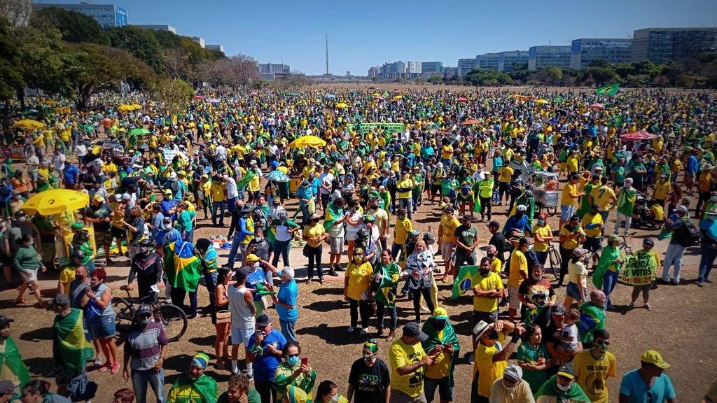 Bolsonaro participa por videochamada de ato em defesa do voto impresso auditável
