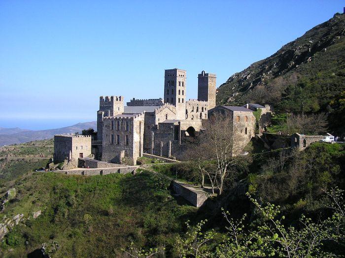 Перед ужином нас ожидает знакомство с самым древним монастырем Каталонии.
