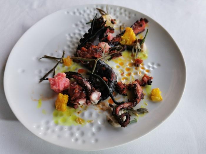 И в завершение дня, наполненного яркими впечатлениями – ужин в ресторане из гида Мишлен – Иоланты Бустос «La Calendula».