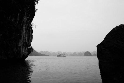 Felsen, Wasser und Boote