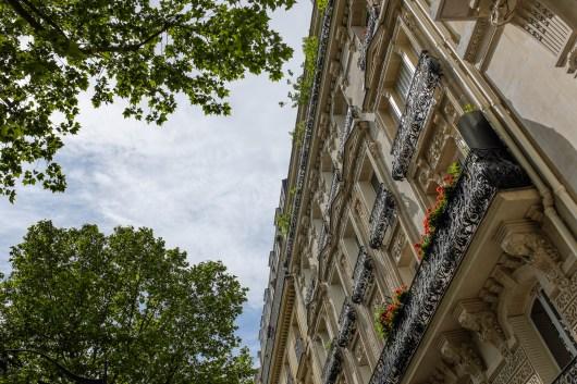 Typische Hausfassade in Paris