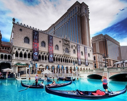 Free parking remains at the Venetian & Palazzo Hotels