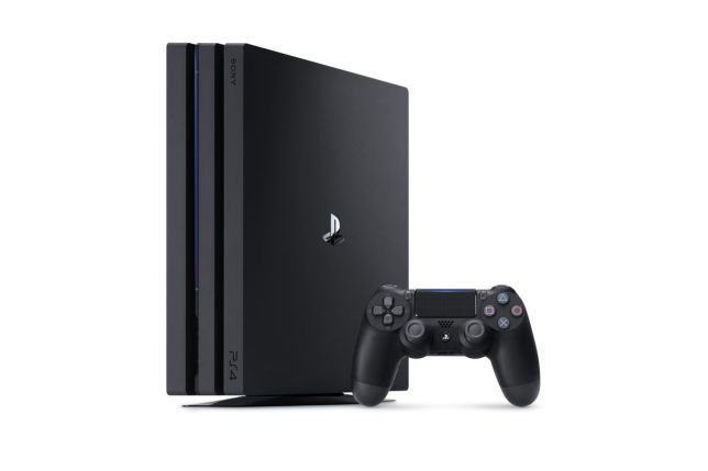 PS4Pro PS4Slim 02