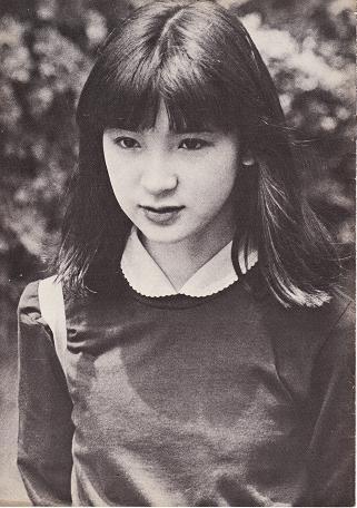 山口小夜子の若い頃や晩年の画像がすっぴんも綺麗!ウォーキング