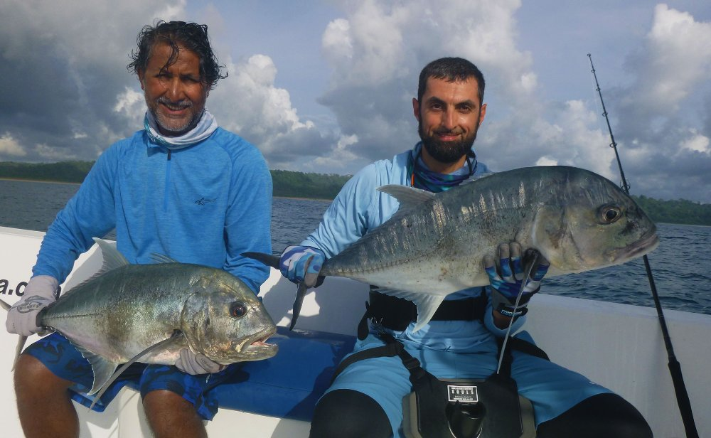 no-20_giant-trevally_fishing_popping_andaman_shimano-stella_gamefishingasia_boat_big-fish_double-hookup2