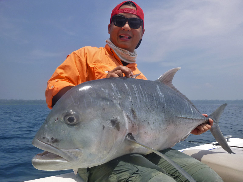 5_giant-trevally_popping_andamans_fishing_shimano-stella-reels_carpenter-rods_blaze-garage-lures-alwyn-tan