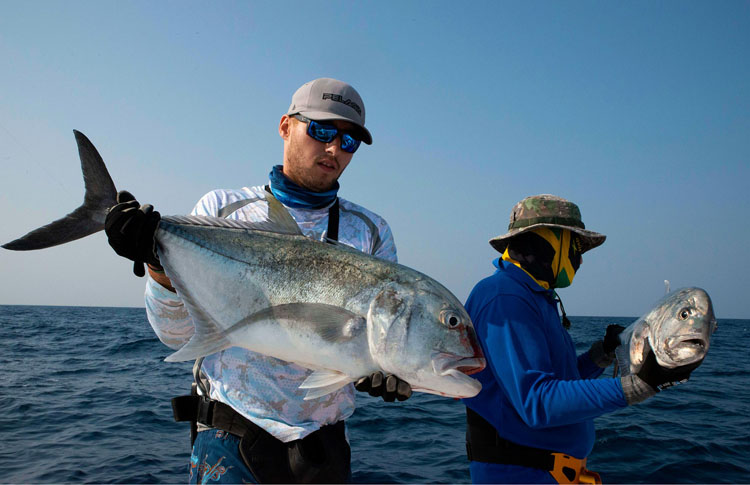 No3_Giant-trevally_double-hookup_fishing_popping_andaman_Daiwa-Saltiga_gamefishingasia_boat_big-fish_gtpopping_boat-charter_anglers_Sam-Mitchison_Robert-Walter