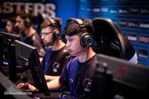 CS:GO: FURIA perde para ENCE e segue nas quartas de final da DreamHack Masters Dallas