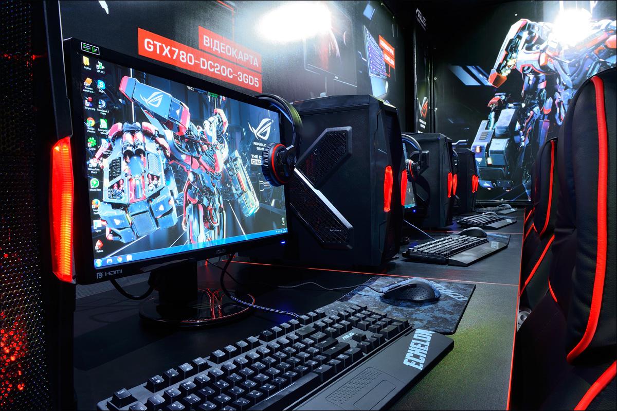 ASUS CyberZone фото сцена арена киберспорт
