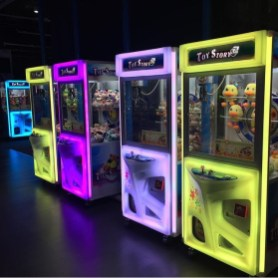Arcade UFO Catcher Machine Rental