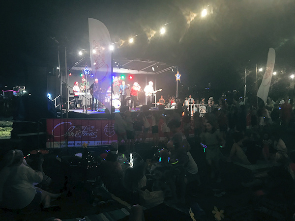 Game of Tones onstage at Burleigh Heads Christmas Carols 2019