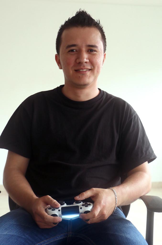 Dewis Tabares, ganador de la Regional de Cali y finalista del torneo de FIFA 16 en TIC Al Parque 3.0.