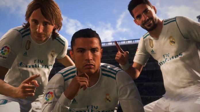 Modric a esquerda, Cristiano Ronaldo no meio e Isco na Direita