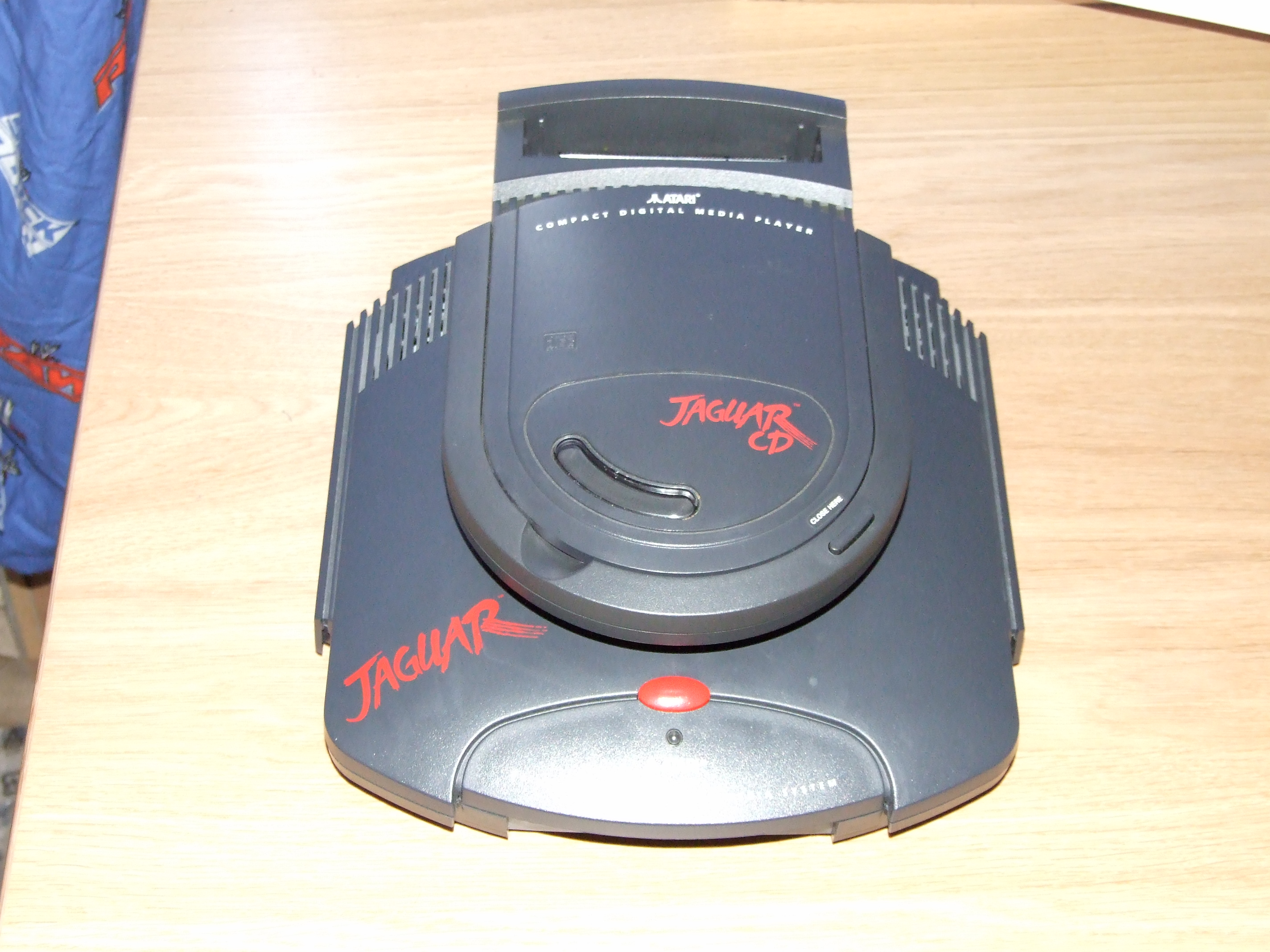 The Jaguar CD attached to the Jaguar.