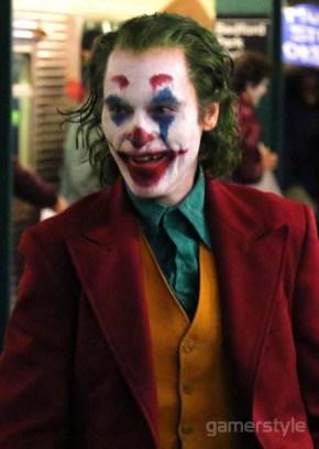 Joker Joaquin Phoenix Bronx Station (1)