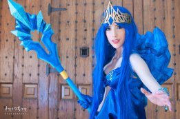 janna_frost_queen_cosplay_lol_by_hekady-d65e9r8